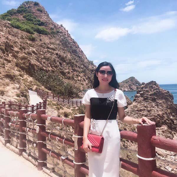 Chị Hương khách hàng tư vấn thiết kế nhà CityA Homes Đà Nẵng