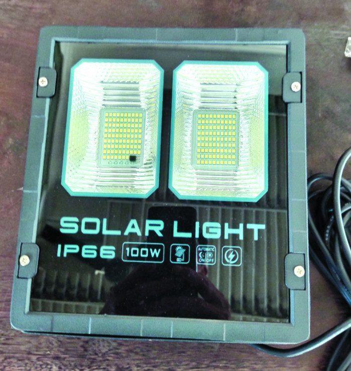 Den Nang Luong Mat Troi Solar Light 1